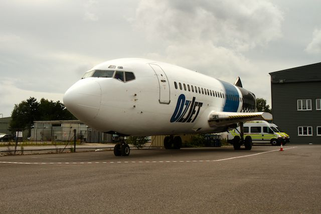2011-07-15_737_Cabin_Crew_Fuselage_IMG_0069