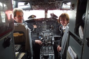 Andrew & Julie the JARE ATP Founders welcome all students from the Flight Deck of their Boeing B737 Aircraft